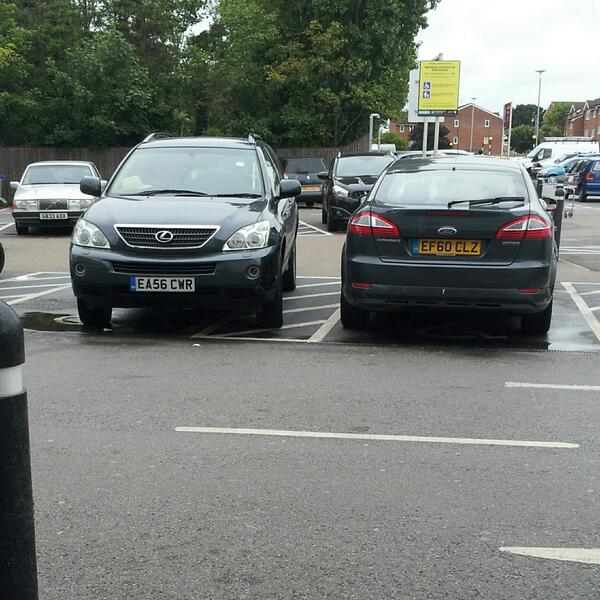 EA56 CWR & EF60 CLZ displaying Selfish Parking