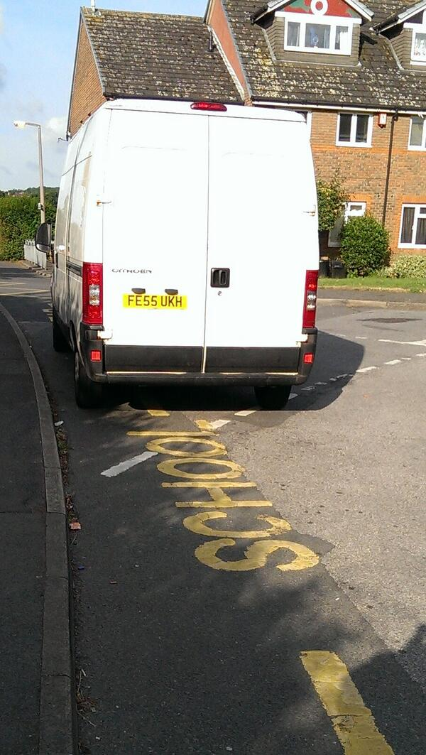 FE55 UKH displaying Inconsiderate Parking