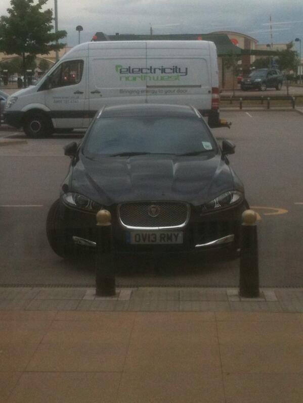 OV13 RMY displaying Selfish Parking