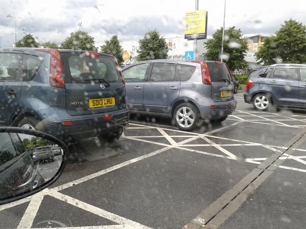-mcr-parking-disabledbay-selfishparker-heres-two-in-salford-sainsburys-ml61ktg-sd13lhu-name-amp-shame-http-t-co-ceunqdwjor