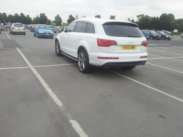 YH13 JWW displaying Inconsiderate Parking