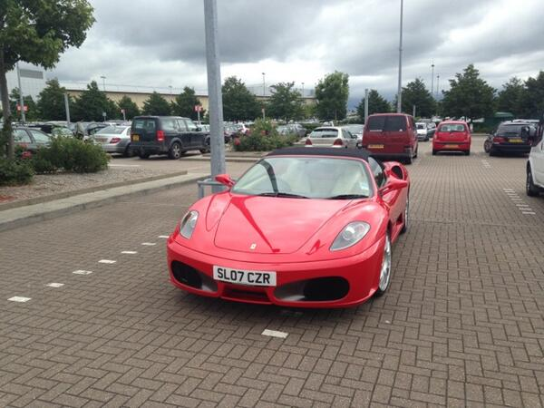 complete-big-headed-tosspot-at-the-mall-bristol-selfishparker-http-t-co-znfzrv0jsm