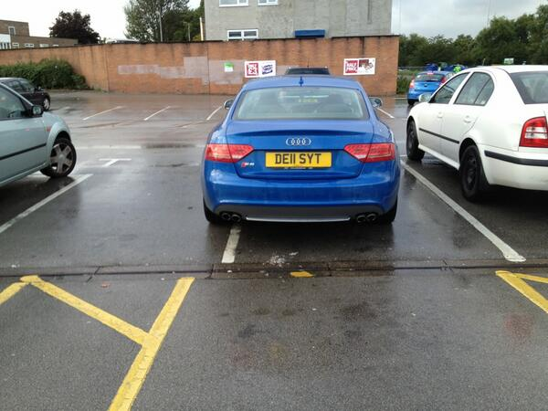 DE11 SYT displaying Selfish Parking