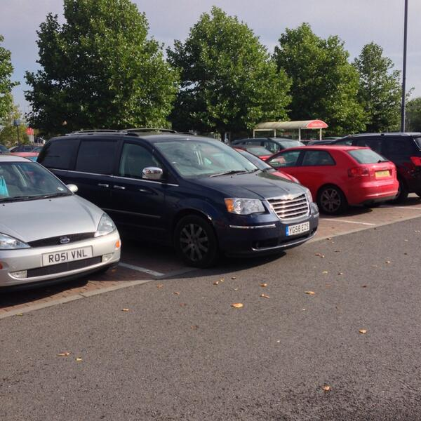 inconsiderate-in-life-that-s-me-yplac-selfishparker-parking-idiots-http-t-co-fn1gyplwoh