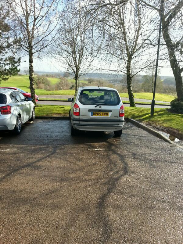 BP05 CVN displaying Inconsiderate Parking