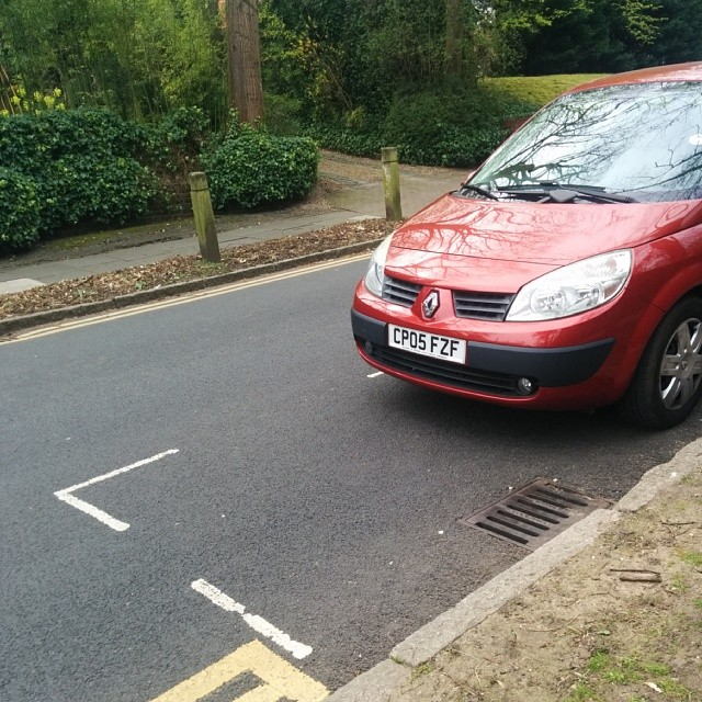 CP05 FZF displaying Inconsiderate Parking