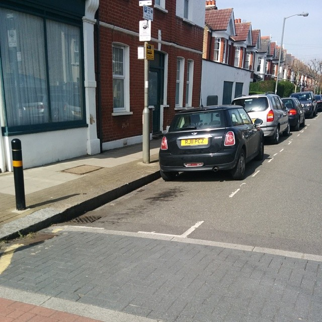 RJ11 PCZ displaying Selfish Parking