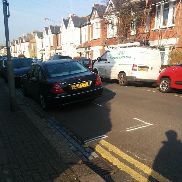 LG04 LLT displaying crap parking