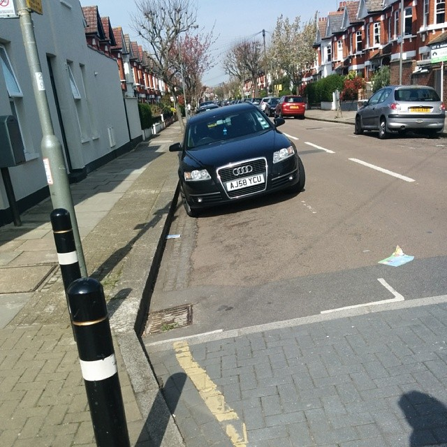 AJ58 YCU is an Inconsiderate Parker
