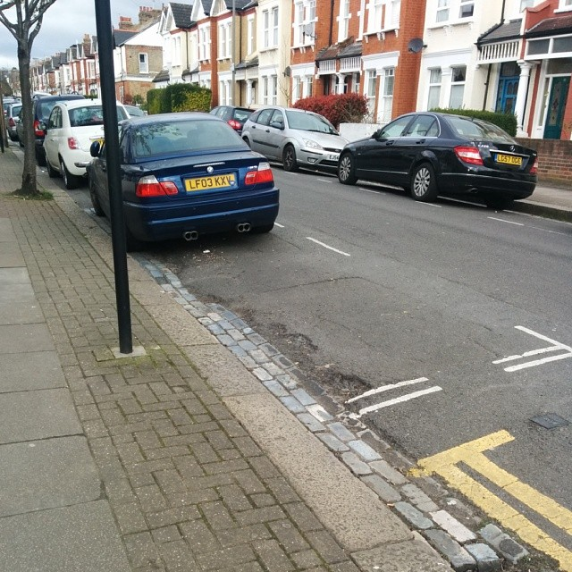 LX03 KFV displaying Inconsiderate Parking