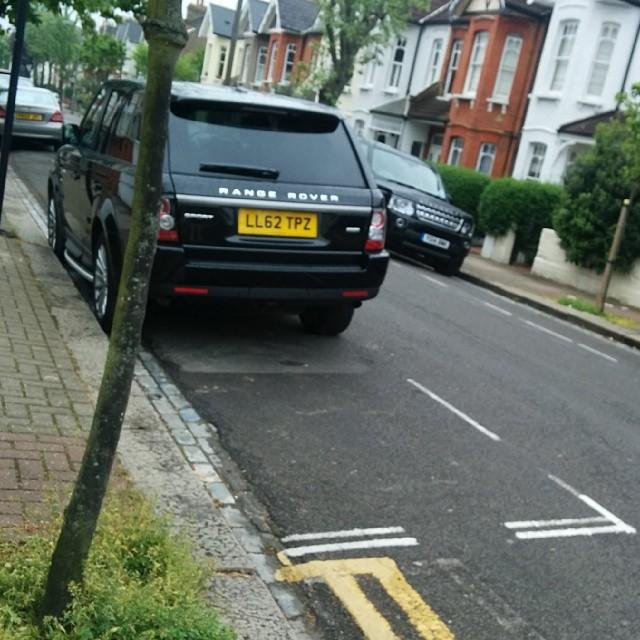 LL62 TPZ displaying crap parking