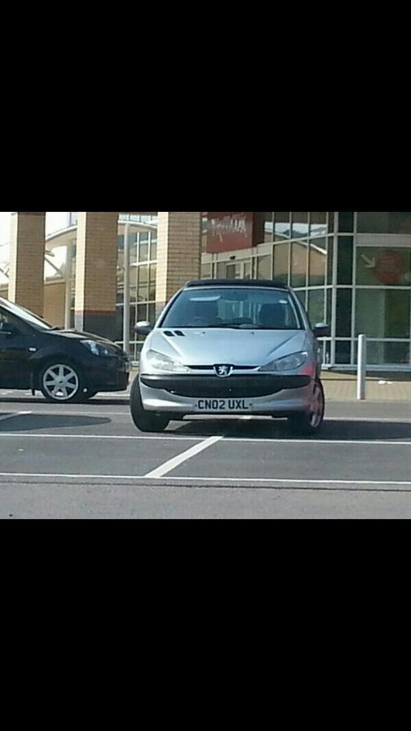 CN02 UXL is a crap parker