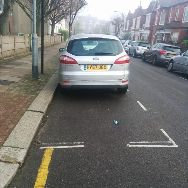 HV57 JGX displaying Selfish Parking