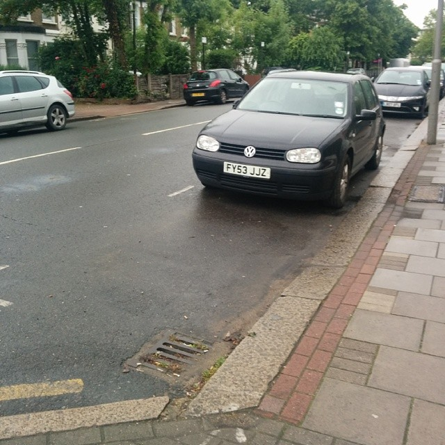 FY53 JJZ displaying Inconsiderate Parking