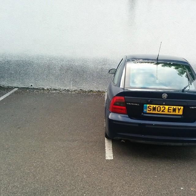 SM02 EWY displaying Selfish Parking
