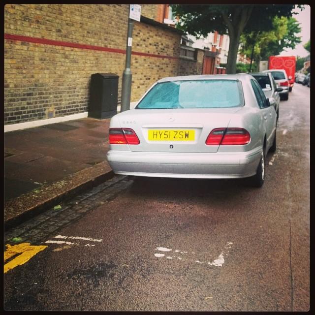 HY51 ZSW displaying Selfish Parking