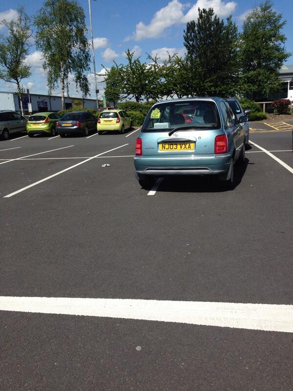 NJ03 VXA displaying Inconsiderate Parking