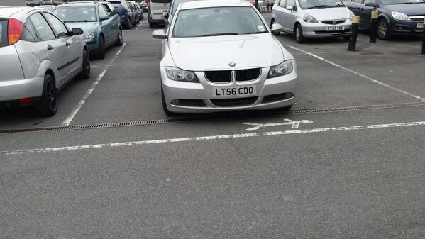 LT56 CDO displaying Inconsiderate Parking