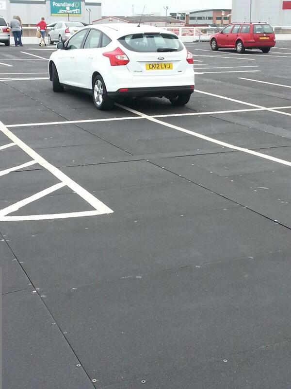 CK12 LJV displaying Inconsiderate Parking