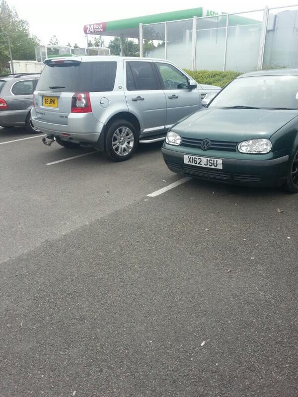 X162 JSU displaying Inconsiderate Parking