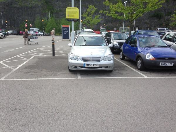 YM53 KOE displaying crap parking