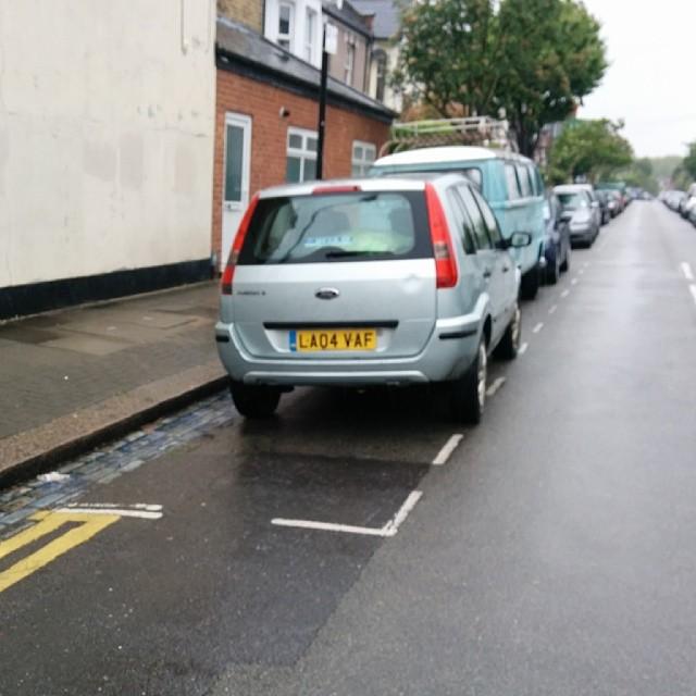 LA04 VFA displaying Selfish Parking