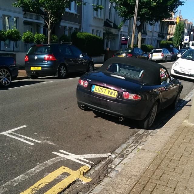 LG07 VWX displaying Selfish Parking