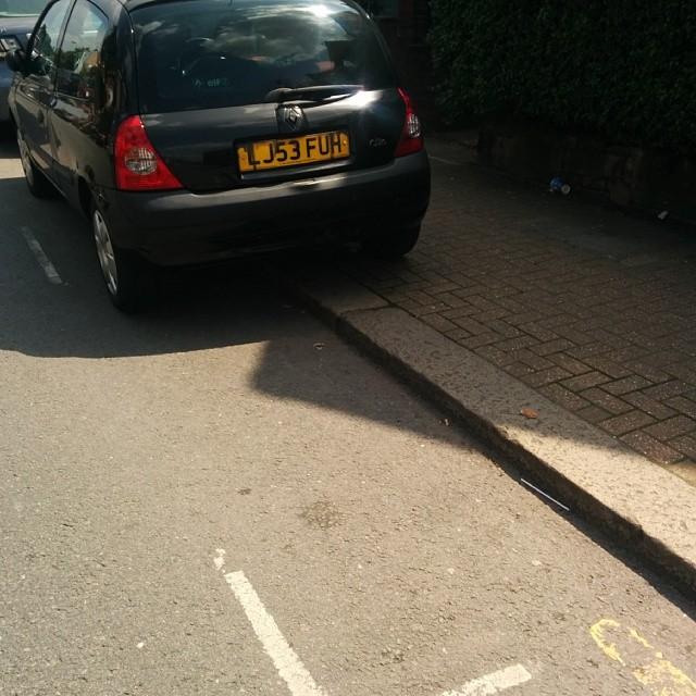 LJ53 FUH displaying Selfish Parking