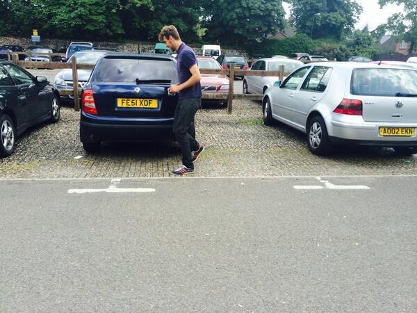 FE51 XOF displaying Selfish Parking
