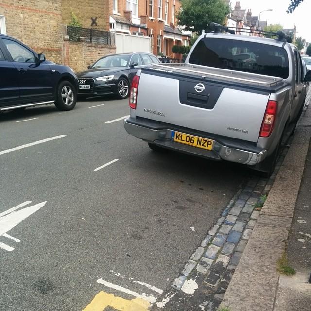 KL06 NZP displaying Selfish Parking