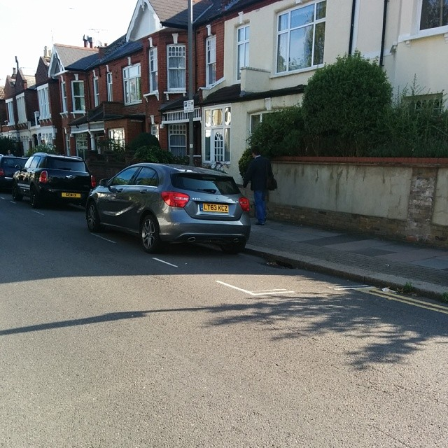 LT63 KCZ displaying Inconsiderate Parking