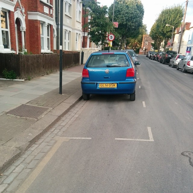 GL51 OSK displaying Inconsiderate Parking