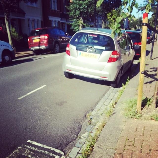 LJ14 VTM displaying crap parking