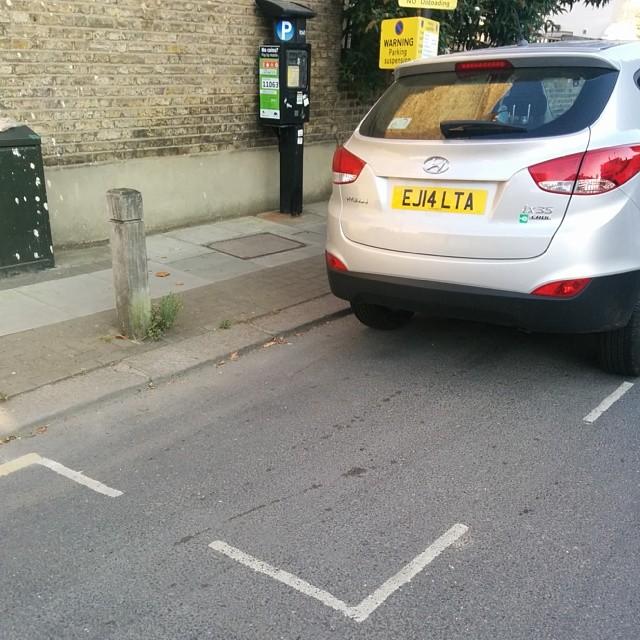 EJ14 LTA displaying Inconsiderate Parking