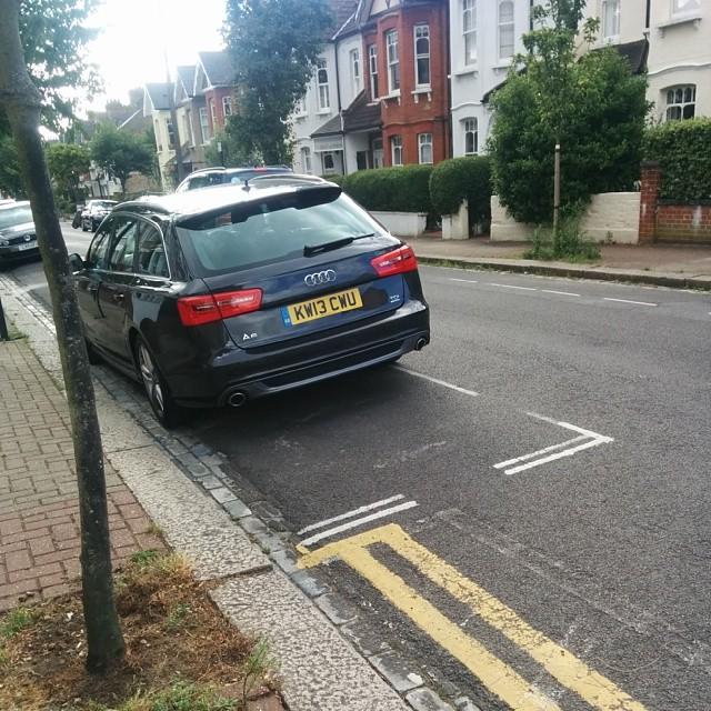 KW13 CWU displaying crap parking