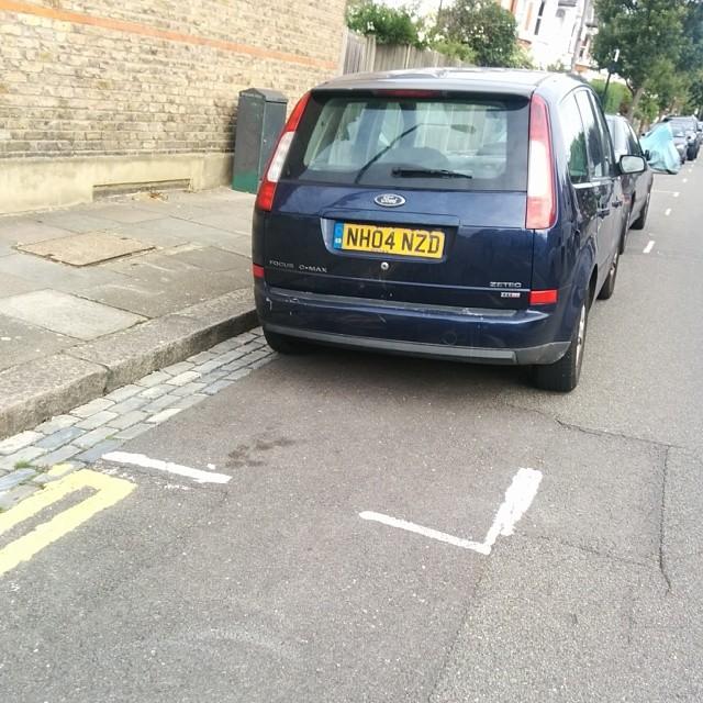 NH04 NZD displaying crap parking