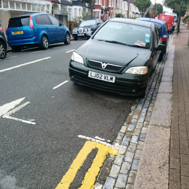 LJ02 VLM is an Inconsiderate Parker