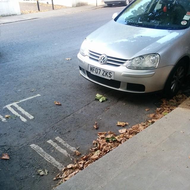 MF07 ZKS displaying crap parking