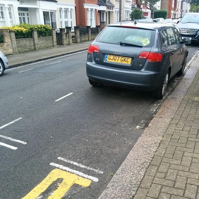 GJ07 GKC displaying Inconsiderate Parking