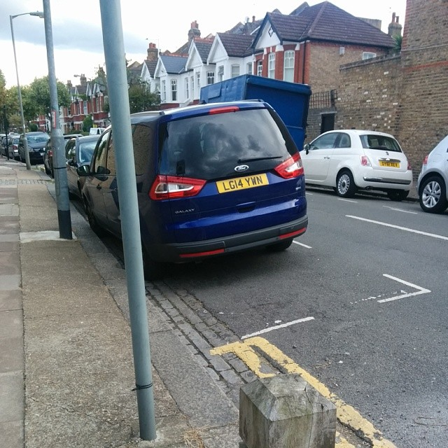 LG14 YWN displaying Inconsiderate Parking