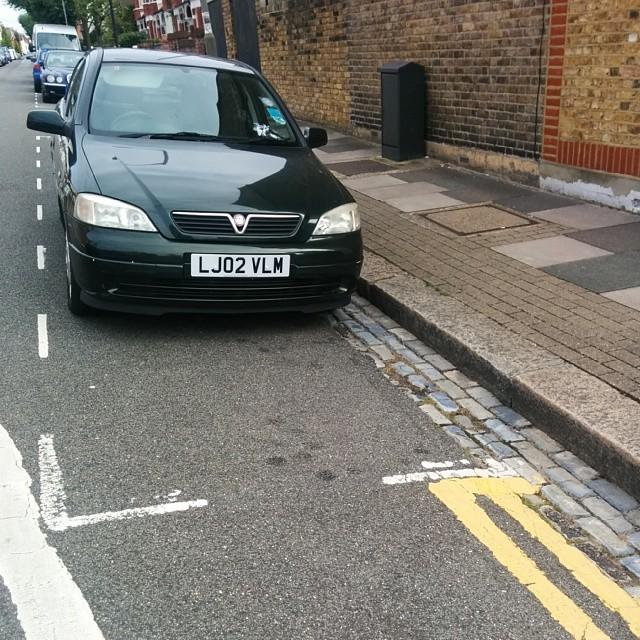 LJ02 VLM displaying crap parking