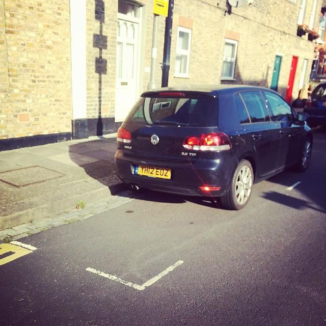 YH12 EOZ displaying crap parking
