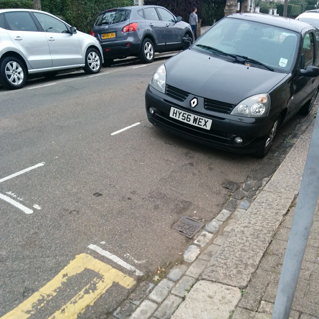 HY56 WEX not using white lines properly and being a #selfishparker