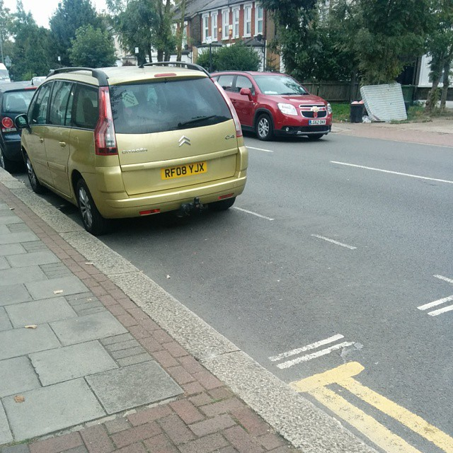 RF08 YJX is an Inconsiderate Parker