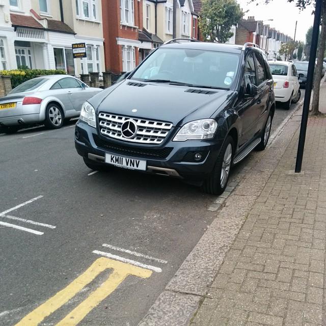 KM11 VNV displaying Inconsiderate Parking