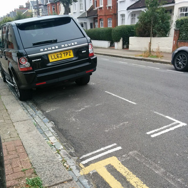 LL62 TPZ displaying Inconsiderate Parking