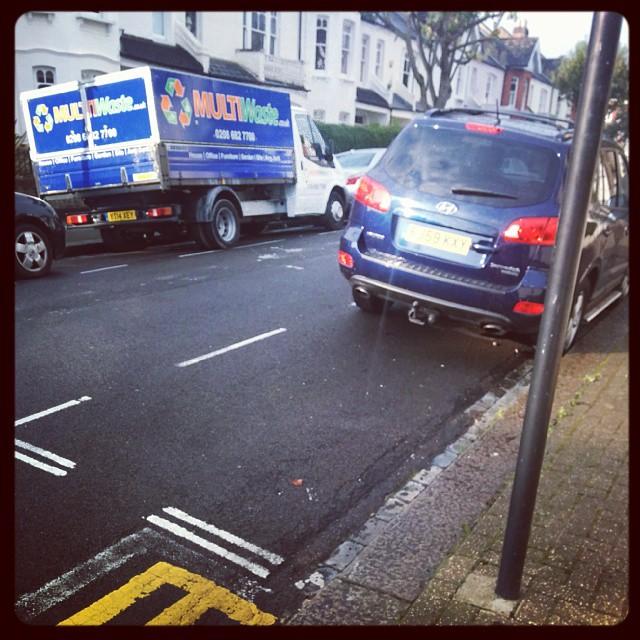 FJ59 KXY displaying Selfish Parking