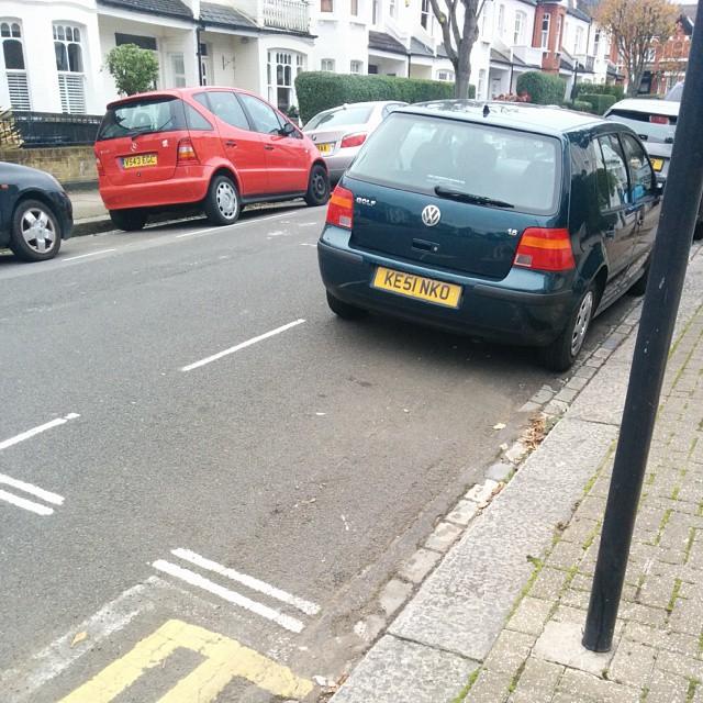 KE51 NKO displaying Selfish Parking