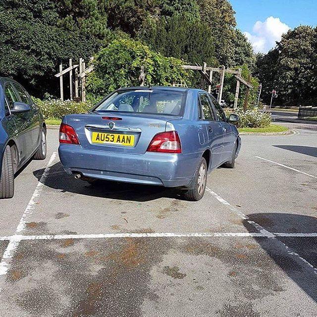AU53 AAN displaying Inconsiderate Parking