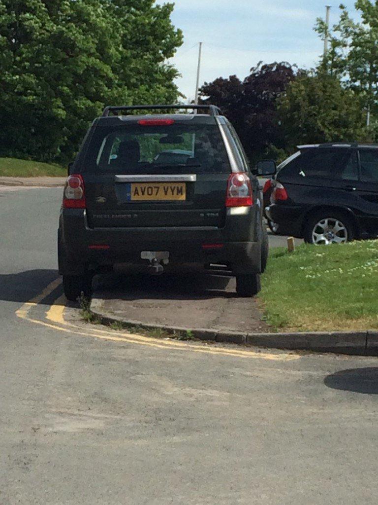 AY07 VYM is a crap parker